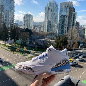 Shoes - Jordan 3 unc